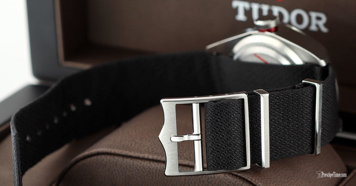 Turdor Black Bay 41mm Review Dial Buckle