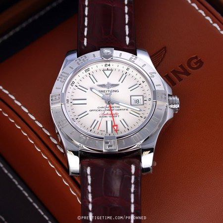 Pre-owned Breitling Avenger II GMT a3239011/g778-2ct